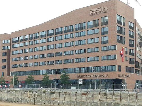 25hours Hotel HafenCity: Hotel aussen