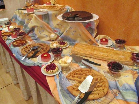 La Lauzetane : Buffet de desserts