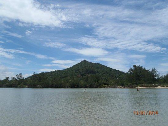 Praia de Ibiraquera: Lago salgado na prai de Ibiraquera