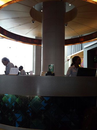 Aloft Abu Dhabi: The reception at ALoft Hotel Abudhabi