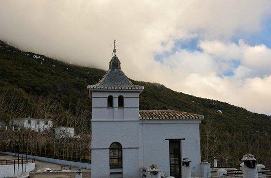 Alcazaba de Busquistar : El edificio al atardecer
