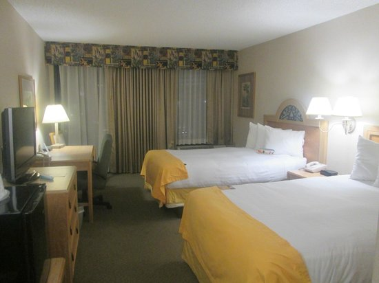 Bay Harbor Hotel : Room