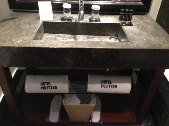 Hotel Pulitzer: Ванная комната
