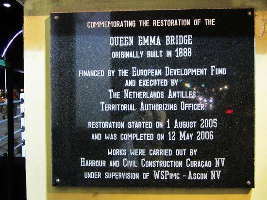 Pont de la Reine Emma : Queen Emma Bridge