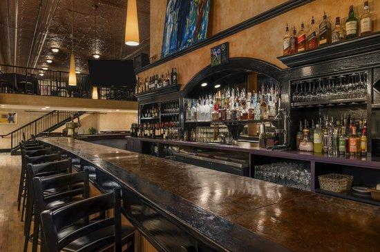 Springs Orleans: Bar Area