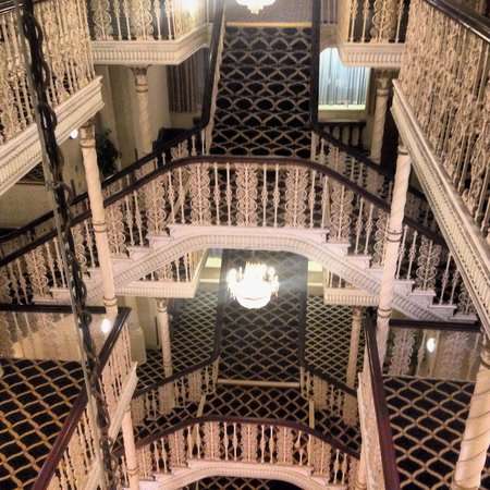 Britannia Manchester Hotel: Beautiful staircases