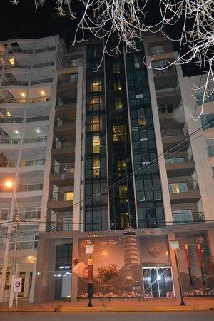Hotel Piren: fachada del hotel