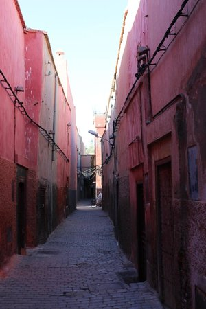 Riad Sidi Mimoune : The street