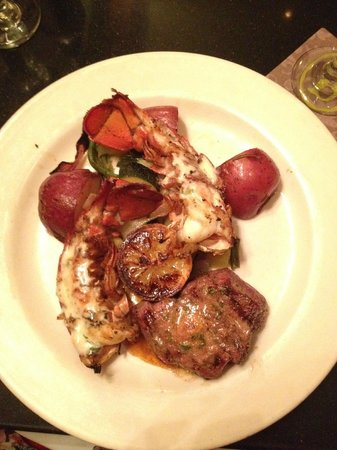 Boudro's on the Riverwalk: Filet and lobster