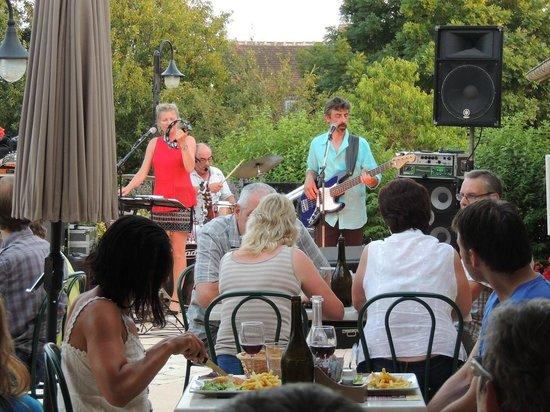 Camping L'Arada parc: aimations concert en été