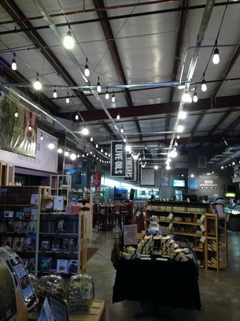 Queen Creek Olive Mill : the store/cafe