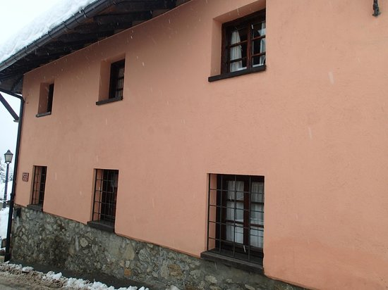 Locanda La Brenva : Rez de chausse droit - chambre 7