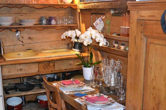 Les Chalets de Philippe: table a manger