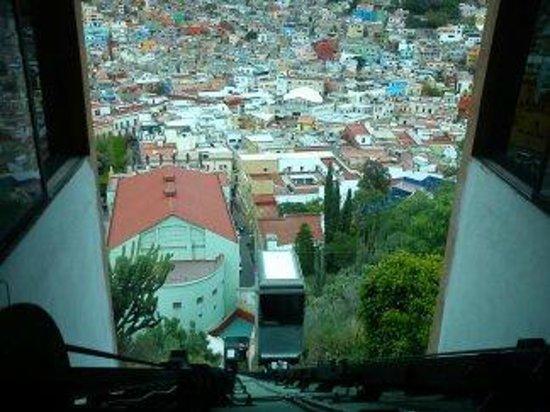 Hotel Balcon del Cielo: funicular desde el Hotel al casco historico de la ciudad