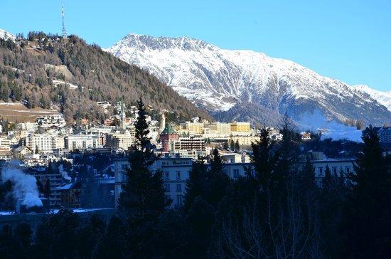 Kempinski Grand Hotel des Bains St. Moritz: Blick aus dem Zimmer