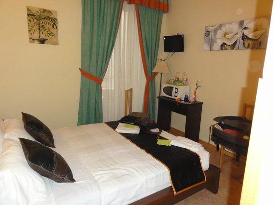 Hostal Oporto: nuestra habitacion num 103