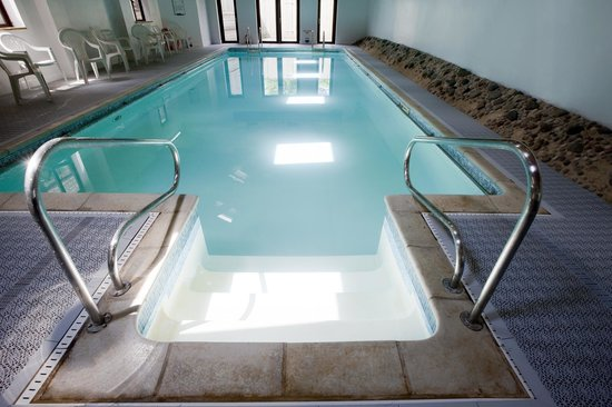 Church Farm Country Cottages: Luxury indoor heated pool