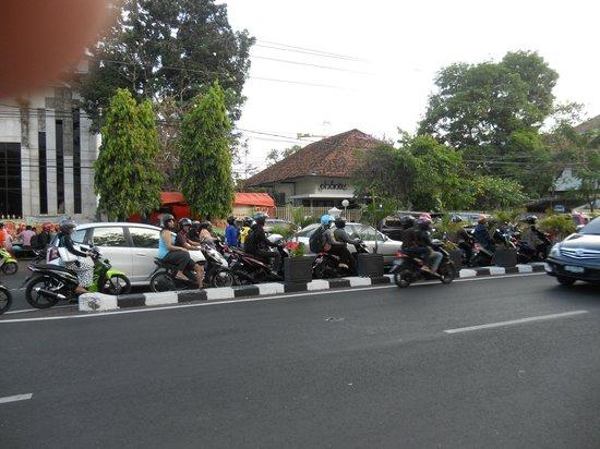 The Phoenix Hotel Yogyakarta - MGallery Collection : devant l'hôtel