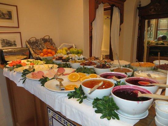 Hotel Sari Konak : Breakfast Buffet