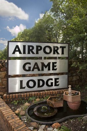 Airport Game Lodge : Entrance