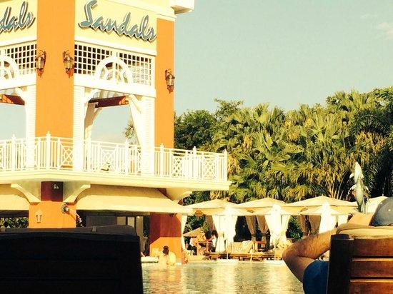 Sandals Ochi Beach Resort: Pool Area Villa Side