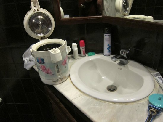 Hotel Windsor Suites & Convention Bangkok : what a kettle!