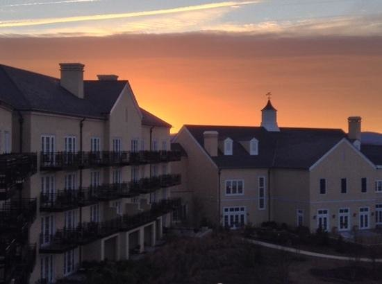 Salamander Resort & Spa: sunrise from balcony on 4th floor