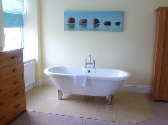 Driftwood: lovely bath