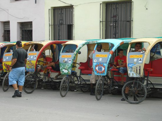 Plaza del Carmen: Pedicabs - what fun for touring the town!