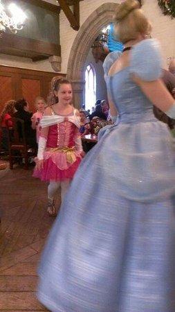 Akershus Royal Banquet Hall : Fun following the princess's around the room!