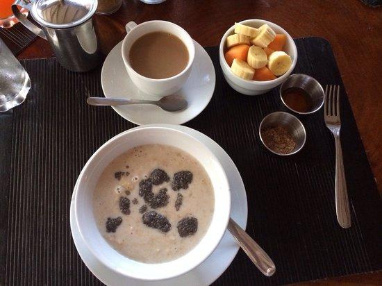 Xalli Ometepe Beach Hotel: Oatmeal Breakfast