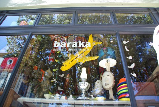 Baraka Gifts and Decor : Shop from the street