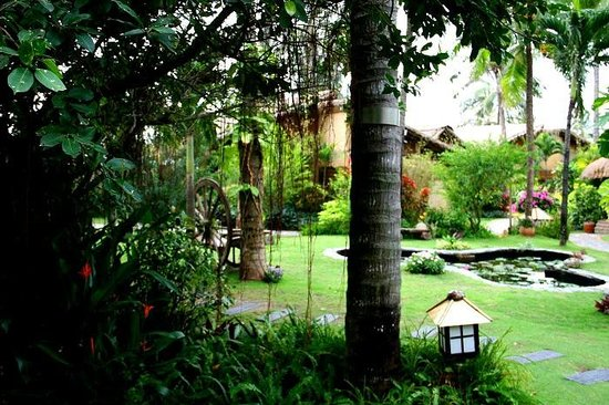 Bamboo Village Beach Resort & Spa: Lovely garden