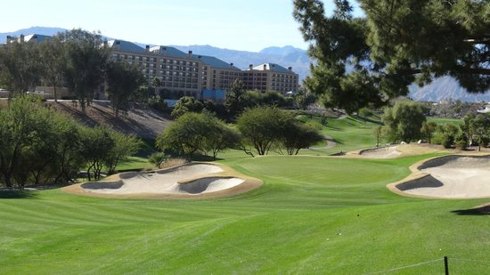 Hyatt Regency Indian Wells Resort & Spa: View from Players course