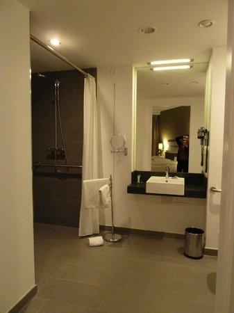 Légère Hotel Wiesbaden - Taunusstein: Bad