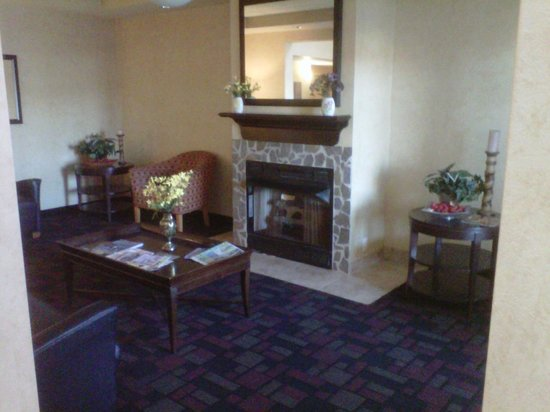 Best Western Windsor Inn & Suites: Lobby area Family Room