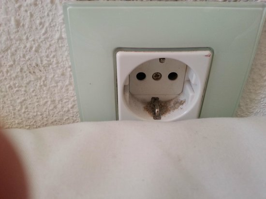 Gala Placidia Hotel: Plug socket in the room so clogged with dirt and dust