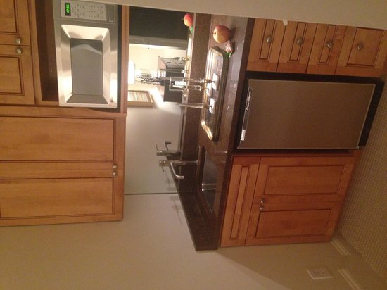 Catherine Ward House Inn: Our own kitchen