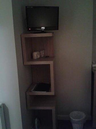 The Village Inn: tv unit