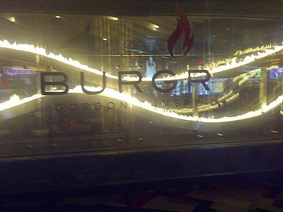 Planet Hollywood Resort & Casino: Burgr was my fave but super pricey !