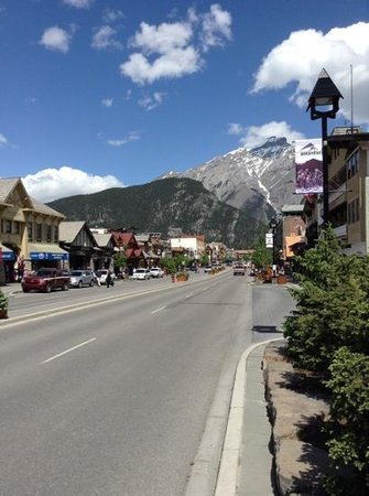 Banff Aspen Lodge: Main Street, a must visit place.