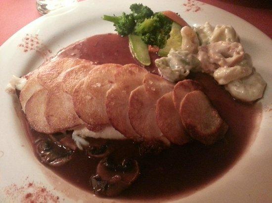 Bistro Le Cousteau: potato crusted fish