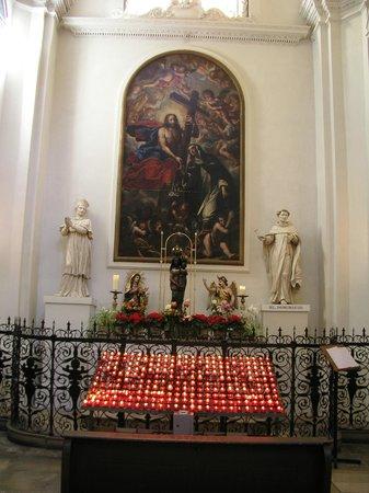 Theatinerkirche St. Kajetan: Lovely.