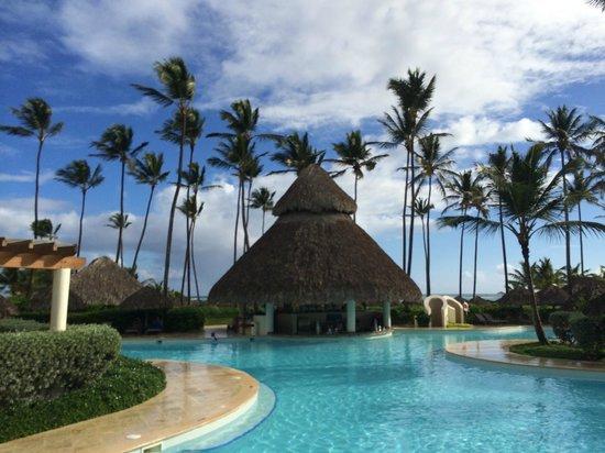 Secrets Royal Beach Punta Cana: Main Pool