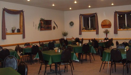 Ranch House in Fullerton, ND Dining Area
