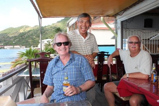 Restaurant Cam Ranh Bay : Many reasons to smile!
