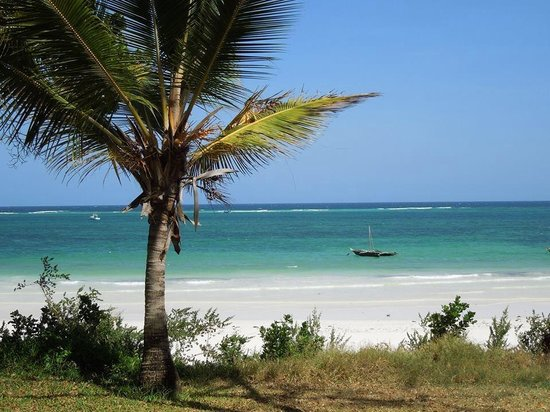 Baobab Beach Resort & Spa: The beach in front of the hotel