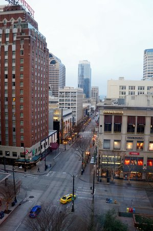The Paramount Hotel : The view from our 9th floor window.