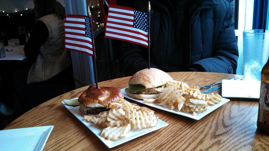 Blue & Gray Bar & Grill: The General Howard and General Custer, veggie style