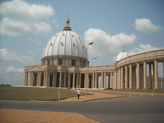 Basilica of Our Lady of Peace : outside